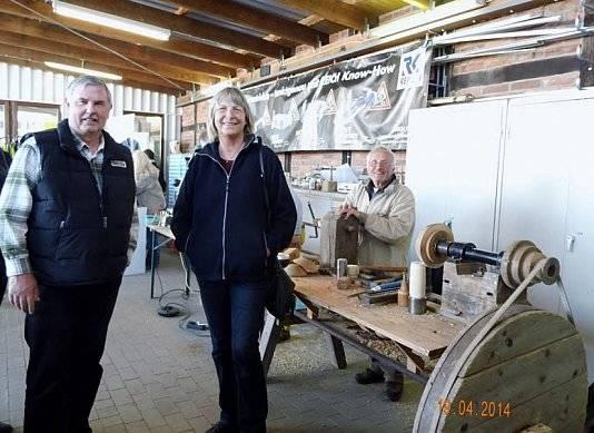 Aussteller und Kunden waren bei der 40-jährigen Jubiläumsfeier von Wohnwagen Bodenburg in der Halle