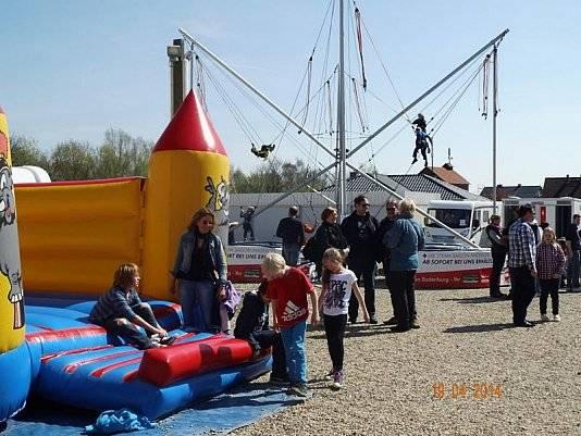 Bei der 40-jährigen Jubiläumsfeier von Wohnwagen Bodenburg gab es auch eine Hüpfburg für die Kinder.
