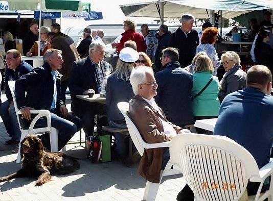 Auf der Jubiläumsfeier von Wohnwagen Bodenburg gab es viele Besucher.