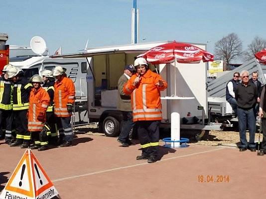 Die Feuerwehr hatte ihren ganz eigenen Auftritt bei der 40-jährigen Jubiläumsfeier von Wohnwagen Bodenburg.