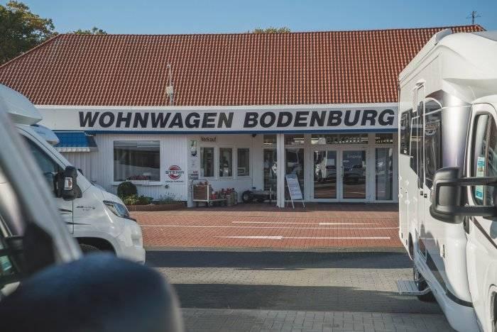 Der Haupteingang von Wohnwagen Bodenburg.